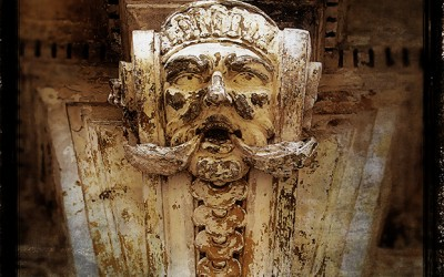 Palermo, top of door ornament