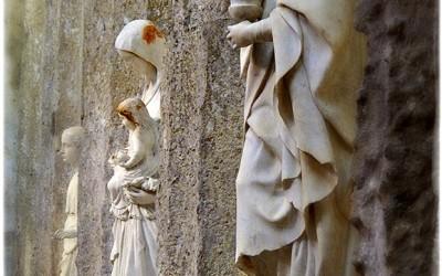 Syracuse statues
